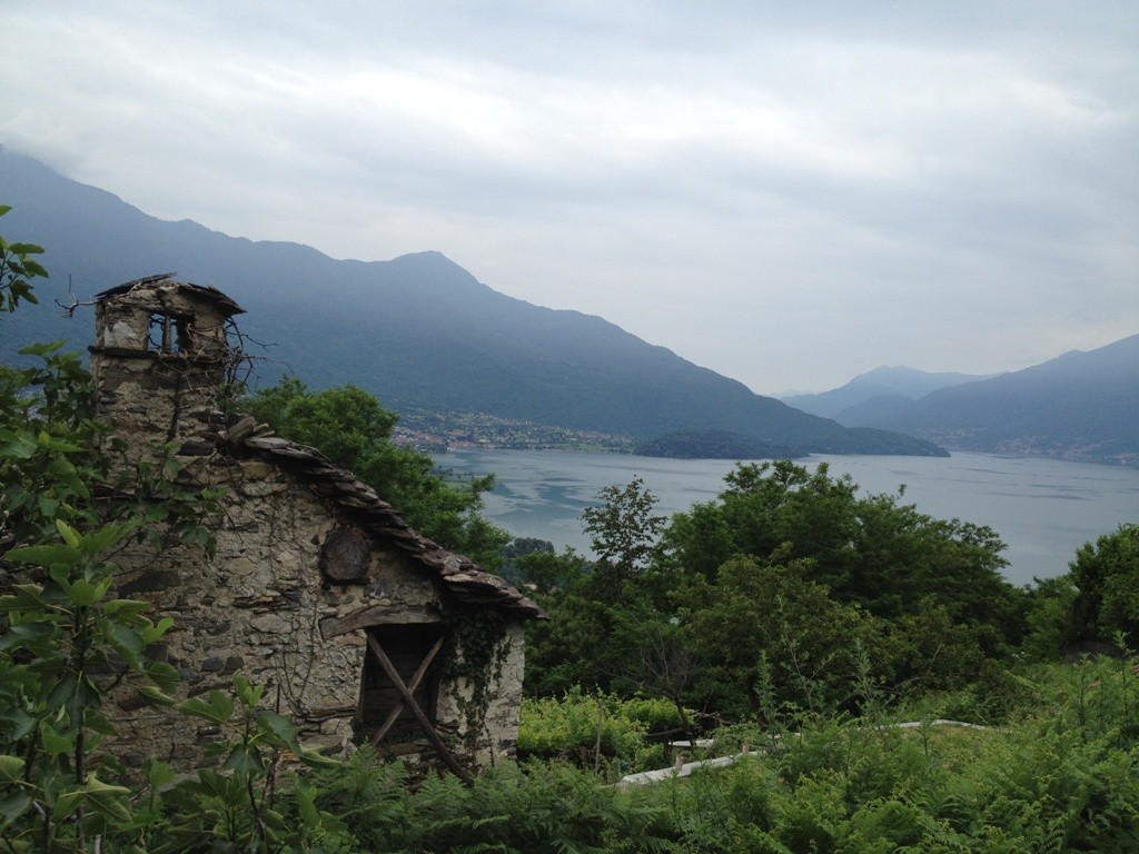 FOR SALE – TRADITIONAL STONE HOUSES WITH LAND – SORICO – LAKE COMO – CL 634